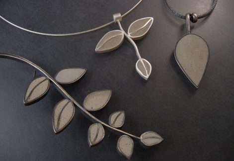 50_48_3 concrete leaf pendants